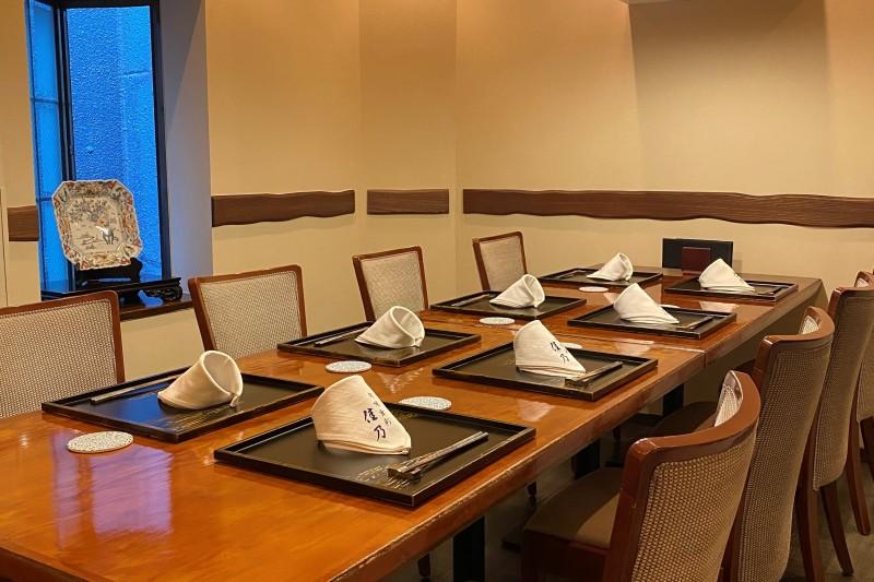 特別個室は4~8名様でご案内致します。お料理は7,700円のコースよりお願いしております。単品料理でのご予約対応は出来ません。